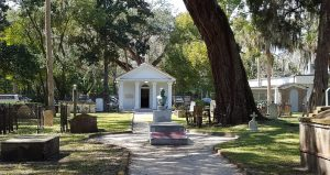 Experience Tolomato Cemetery on a guided tour.