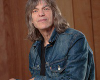 Photograph of Mike Stern.