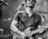 Dweezil Zappa Press Photo...credit Jeff Dean