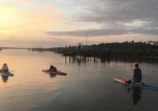 Singles SUP at Sunset