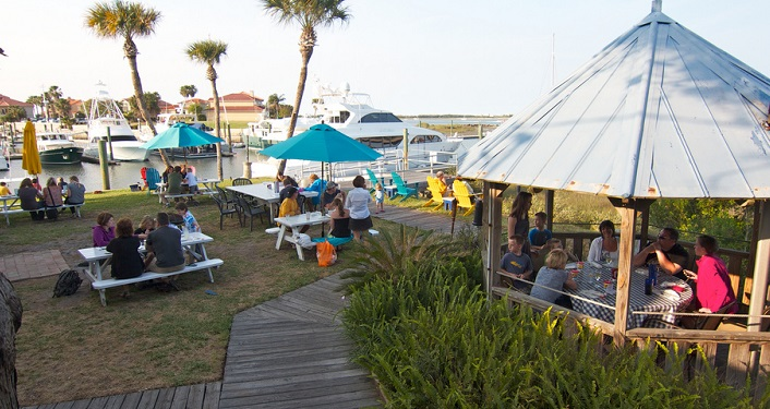 Listen to Music While Dining Outside at Kingfish Grill