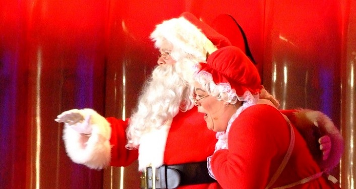 Visit with Santa & Mrs. Claus in City Gate Plaza