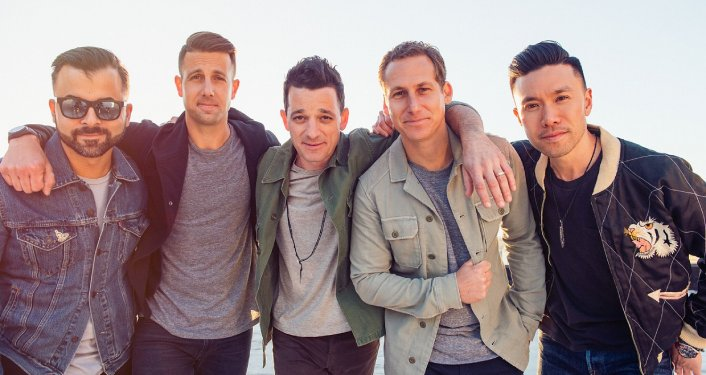 5 males who are members of alternative pop rock O.A.R.
