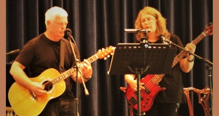 Image of singers, World renowned musicians Joe and Lynn Goldovitz