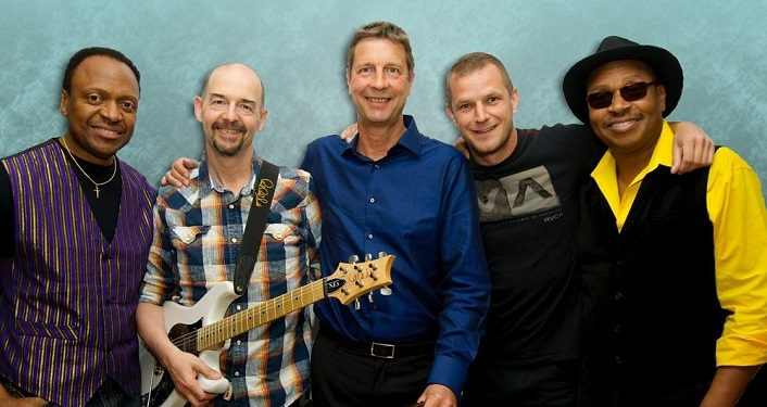 Acoustic Alchemy to Perform